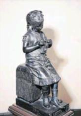 Obres de l'escultor Joan Roig i Solé al fons d'art del Centre de Lectura