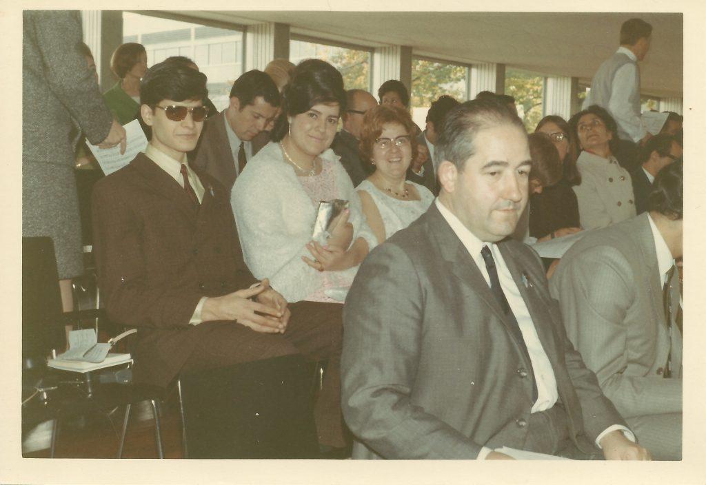 Mn. Asens (en primer terme) als Jocs Florals de Zuric, l'octubre de 1968. Arxiu familiar Asens.